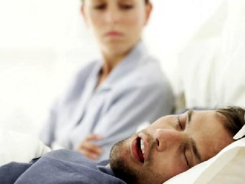 Vì sao con người nói mê khi ngủ?