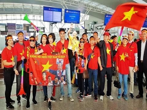 Hàng trăm CĐV sang Philippines cổ vũ U22 Việt Nam