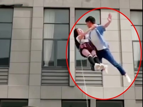 Cười ná thở với loạt cảnh bay lượn 'vô lý' trong phim Hoa Ngữ