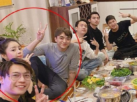 Soobin Hoàng Sơn thân mật bên bạn gái tin đồn trong tiệc tất niên