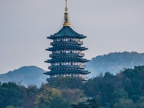Ngôi chùa siêu giá trị được làm hoàn toàn bằng gỗ quý hiếm
