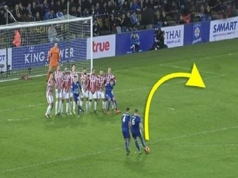 """Những hàng rào 'vô dụng"""" nhất thế giới bóng đá"""