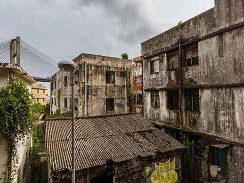 'Thị trấn ma' bị bỏ hoang hàng chục năm ở Hong Kong