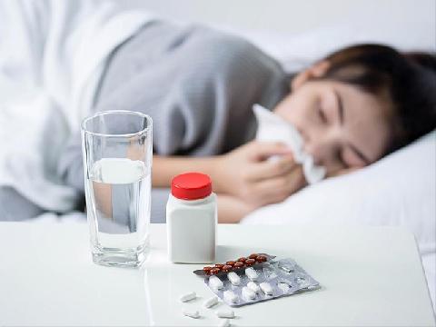 Phân biệt bệnh do virus corona và cảm cúm thông thường