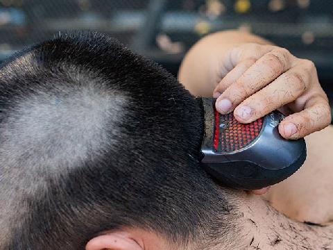 Tự cắt tóc tại nhà bằng tông đơ dễ hay khó?