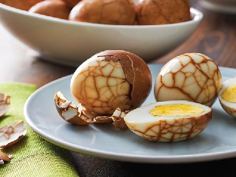 Trứng vân cẩm thạch được làm thế nào?