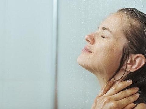 4 lợi ích khi tắm nước lạnh