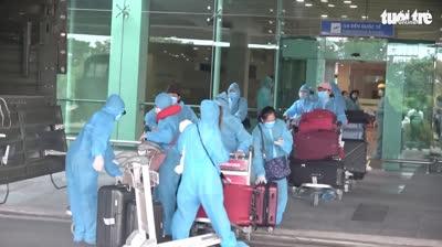 344 công dân Việt Nam từ Singapore được lấu mẫu xét nghiệm và cách ly