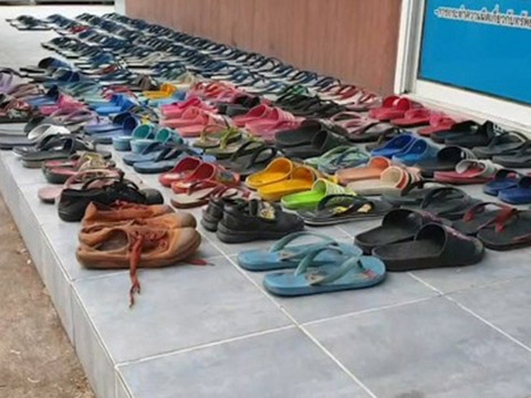 Nam thanh niên trộm 126 đôi dép về để ''yêu''
