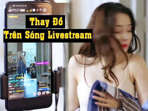 Địch Lệ Nhiệt Ba cởi áo thay đồ trên sóng livestream