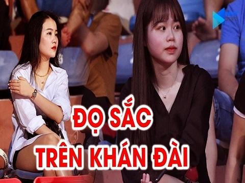 Bạn gái Quang Hải và Đoàn Văn Hậu 'đọ sắc' trên khán đài