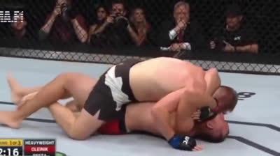 Những kịch bản khóa chết đối thủ trên sàn đấu MMA