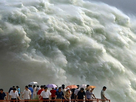 Kinh hoàng sông Hoàng Hà mùa mưa lũ