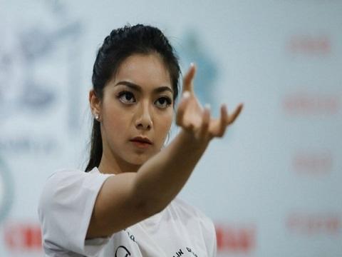 Con gái xinh đẹp của Chưởng môn Vịnh Xuân thi triển võ thuật cao cường