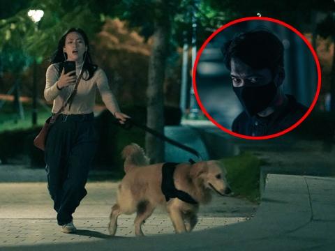 Rùng mình cảnh cô gái mù bị kẻ biến thái truy sát