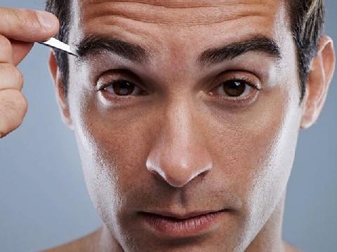 Những màn tỉa lông mày ấn tượng cho nam giới