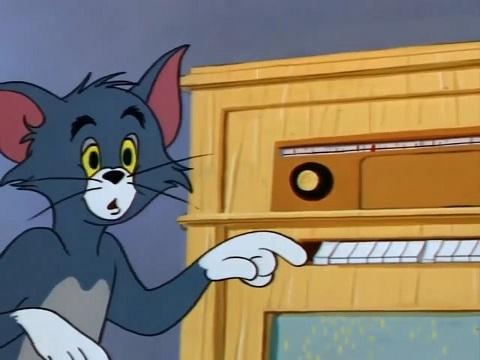 Khi bạn nghe EDM và hàng xóm lại nghe Vinahouse