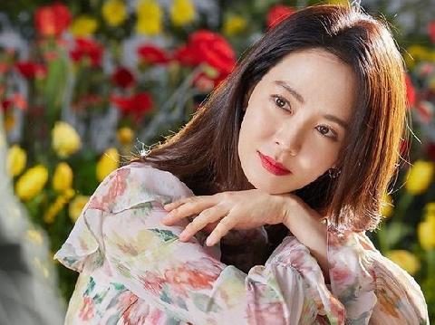 Muốn ngất vì bộ ảnh mới hack tuổi thần sầu của 'mợ ngố' Song Ji Hyo