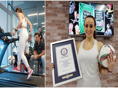 Cô gái phá kỷ lục thế giới vừa đi bộ vừa tâng bóng