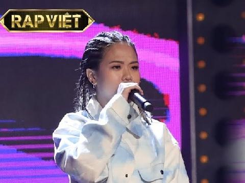 Nữ rapper khiến Rap Việt náo loạn với bản hit Chiếc khăn gió ấm