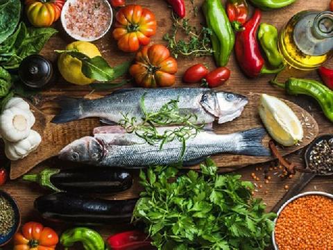 Công thức 4-5-1 về dinh dưỡng giúp tăng cường sức khỏe trong mùa dịch
