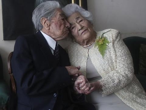 Cặp vợ chồng lập kỷ lục tổng 215 tuổi