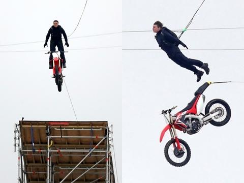 Fan 'sốc nặng' với cảnh Tom Cruise lao xe khỏi vách núi trên phim trường