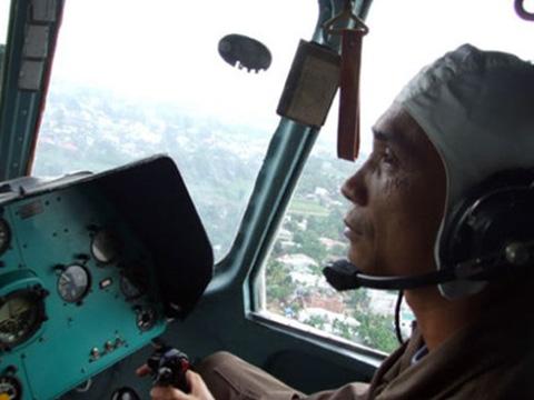 Nín thở với màn cứu người của trực thăng và đặc công Việt Nam