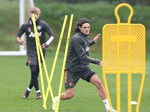 Cavani tập buổi đầu cùng Man Utd