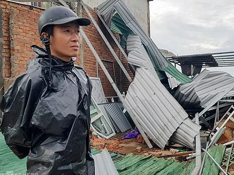 34 nhà sập, hơn 56.000 căn nhà tốc mái do bão số 9