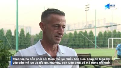 HLV Đức chỉ ra điểm yếu cầu thủ Việt Nam