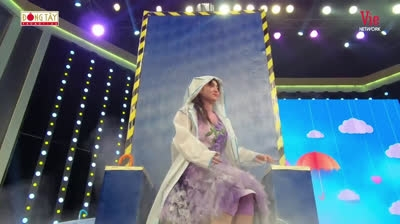 Puka tự tin cởi áo mưa chơi lớn và cái kết tắm trắng toàn thân