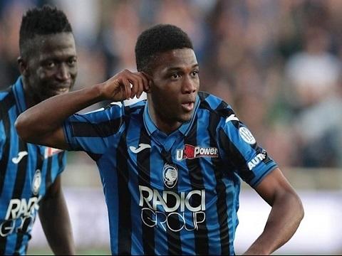 Fan MU phát cuồng vì tân binh trẻ đi bóng như Messi