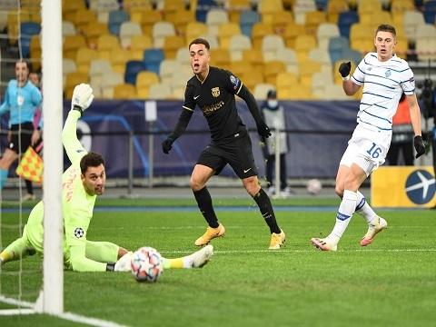 Dynamo Kyiv 0-4 Barcelona (Bảng G C1)