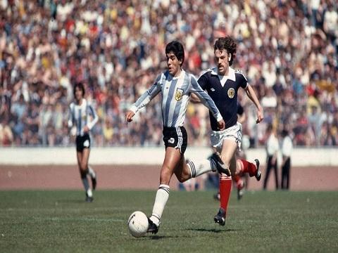 Những khoảnh khắc đẹp của Maradona cùng đội tuyển Argentina