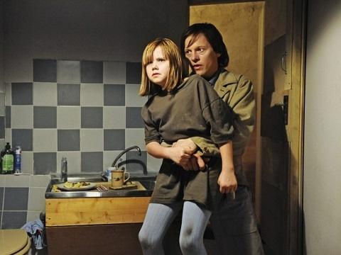 Tóm tắt phim '3096 Days': Cô gái bị làm nhục suốt 8 năm