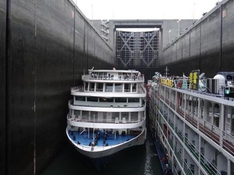 Bên trong đập thủy điện lớn nhất hành tinh có gì?