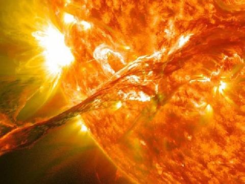 Cận cảnh những vụ nổ trên bề mặt của Mặt Trời