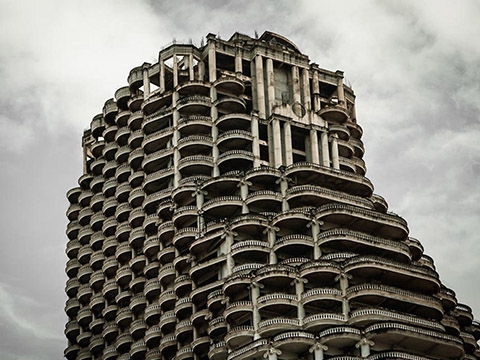 Bí ẩn về tháp ma 49 tầng bị bỏ hoang ở Bangkok