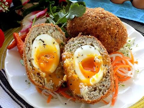 Cách làm món gà trong trứng