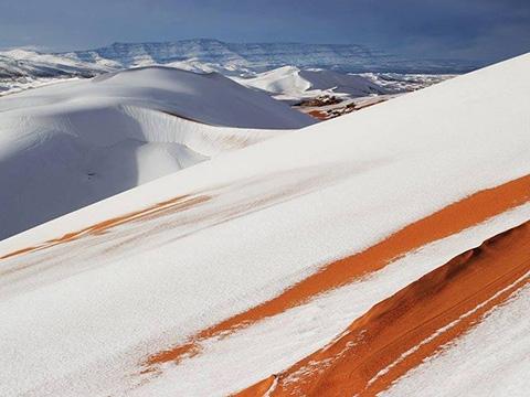 Khó tin khi tuyết xuất hiện ở sa mạc khô cằn nhất hành tinh