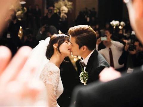 Đau lòng hát ''kẻ phản bội'' trong đám cưới người yêu cũ
