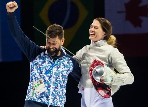 Ngắm mỹ nhân vừa nhận được lời cầu hôn độc đáo nhất Olympic 2020
