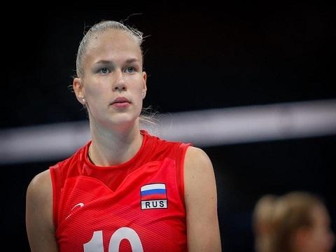 Vẻ đẹp mê hoặc của nữ VĐV bóng chuyền 17 tuổi người Nga